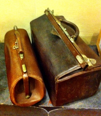 (Doctor's) leather bags